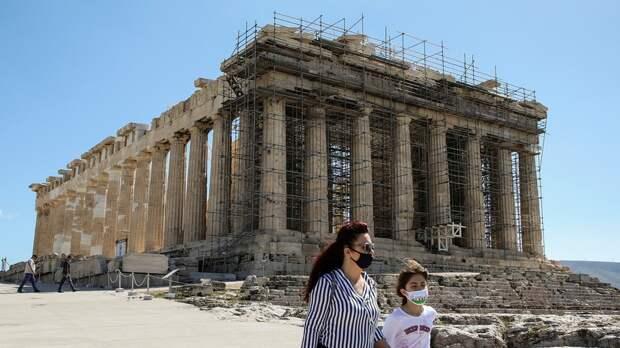В Греции за сутки выявили 3833 новых случая коронавируса