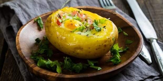 ЗАПЕЧЁННЫЙ картофель с ЯЙЦОМ, сыром и беконом