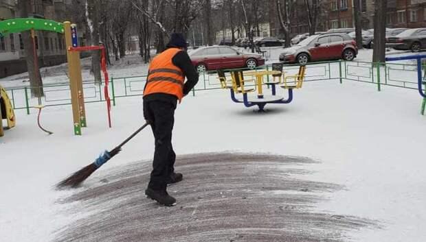 Жителям Подмосковья напомнили регламент зимней уборки территории