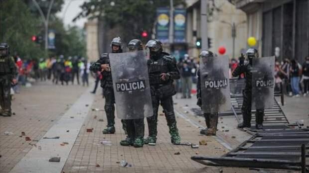 Более 1,7 тысячи колумбийцев пострадали входе длящихся протестов
