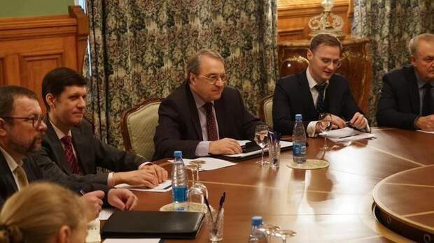 Штрафами не отделаются: В Госдуме придумали, как научить чиновников-хамов хорошим манерам