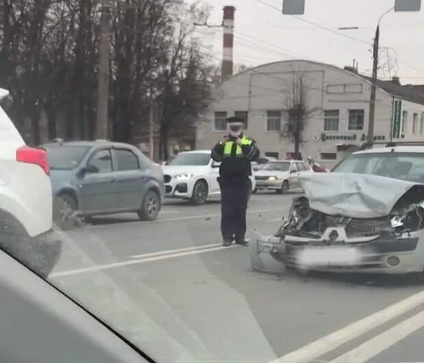 Из-за ДТП на Пролетарке в Твери образовалась пробка