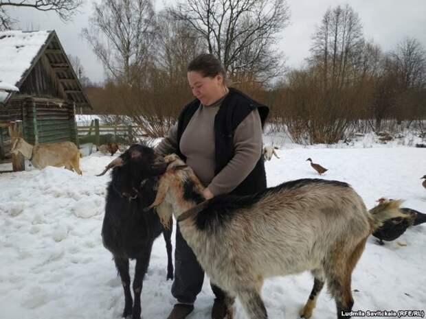 """""""Подарите маме трактор"""". Как выжить в псковской деревне на оклад медсестры"""