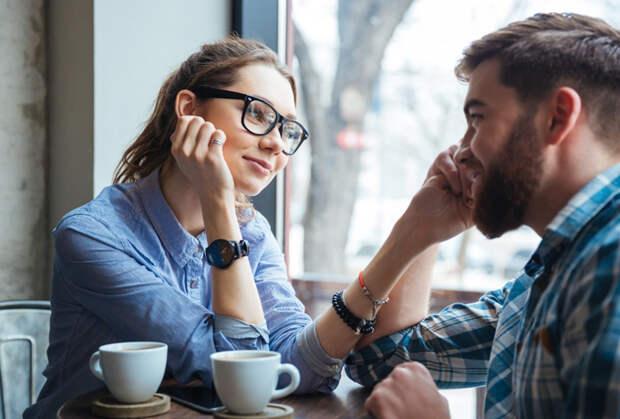 11 мелочей, которые мужчины замечают в женщинах (даже если вам так не кажется)