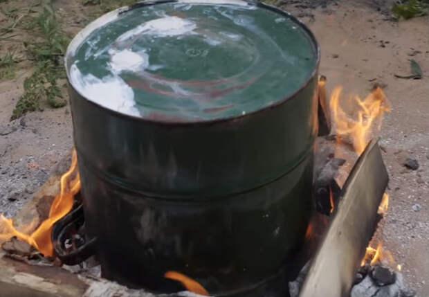 Делаем духовку из ведра: пожарили курицу в два счета
