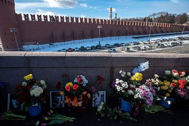 В Москве почтили память Бориса Немцова: фотогалерея