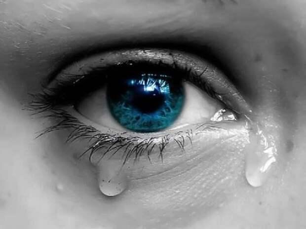 Кто сказал, что слезы признак слабости?