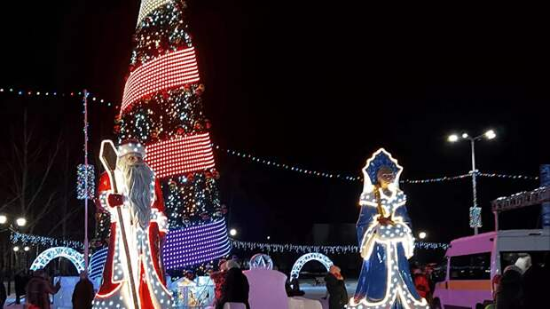 В Башкирии новогоднюю елку сделали летней