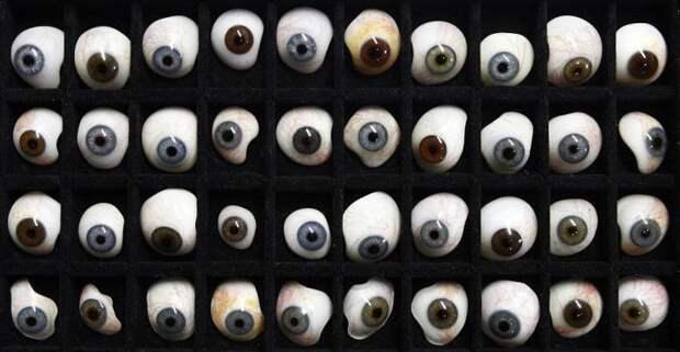 Как делают глазные протезы