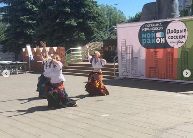 На Синявинской дан старт городскому проекту «Наш двор — добрые соседи»