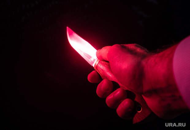 Клипарт. Сургут , убийство, разбой, оружие, нападение, преступник, нож, преступление, рука с ножом