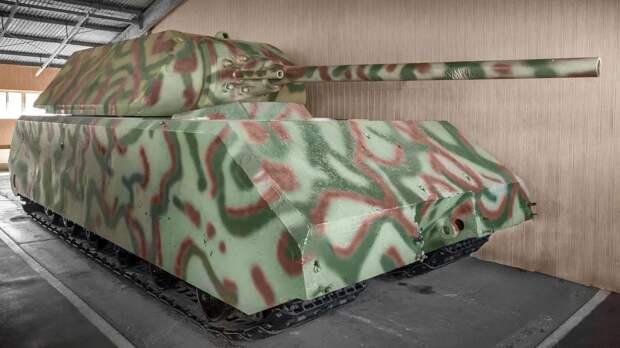 Единственный в мире сверхтяжелый танк представлен на экспозиции музея парка «Патриот»