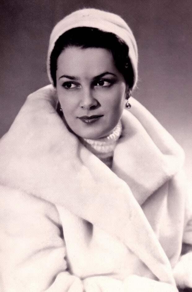 Восхитительная Элина Быстрицкая: 15 фотографий «самой красивой женщины XX века»