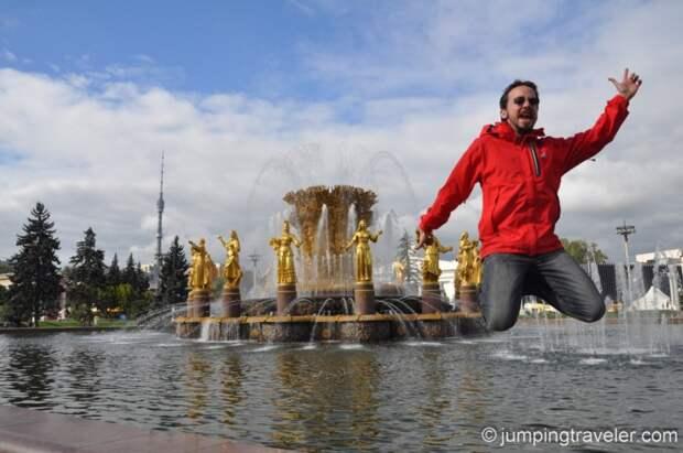 В Москве на ВДНХ для посетителей открылись все павильоны и музеи