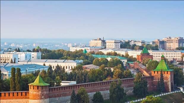 Памятник летчикам-героям ВОВ установили в Нижегородском кремле после реставрации