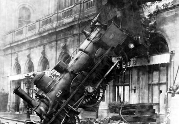 Выяснилась, почему поезд метро пробил стену в Москве