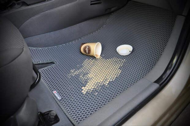 Коврики в авто.