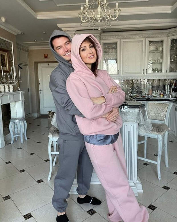 «Боится, что жених передумает?»: жена бойфренда Анастасии Макеевой заявила, что он все еще в браке
