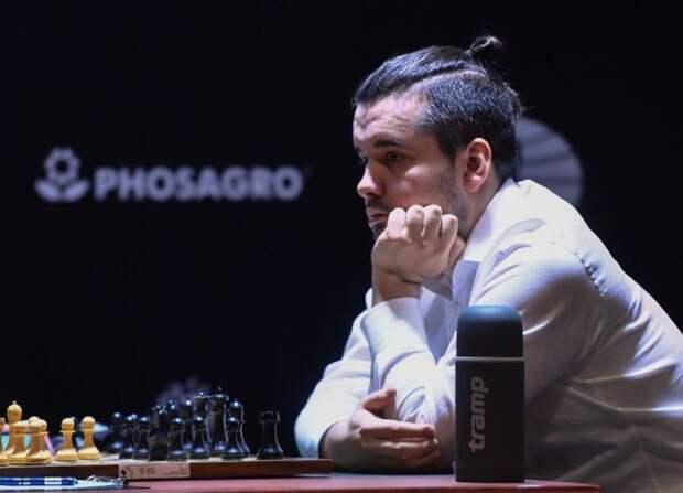 Непомнящий считает Карлсена фаворитом в матче за мировую шахматную корону