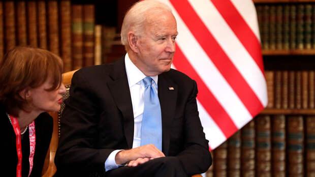 Политолог: администрация Байдена считает главным оппонентом не Россию, а Китай