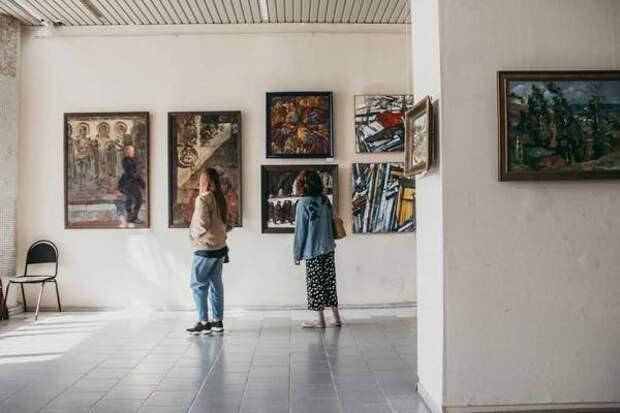 Куряне могут посмотреть работы художников-земляков
