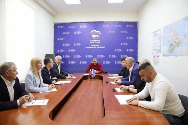 На праймериз «Единой России» в Крыму пойдут 69 человек