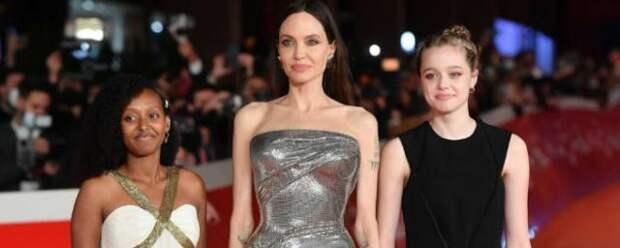 Поклонники раскритиковали Анджелину Джоли из-за наращенных волос