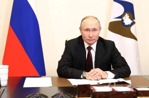 Российская экономика выходит из кризиса, вызванного пандемией - Путин