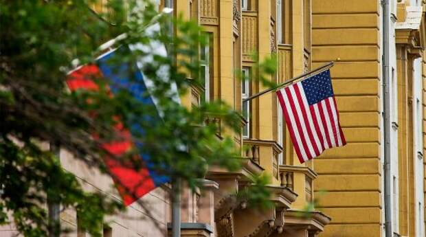 Посольству США запретят нанимать наработу россиян
