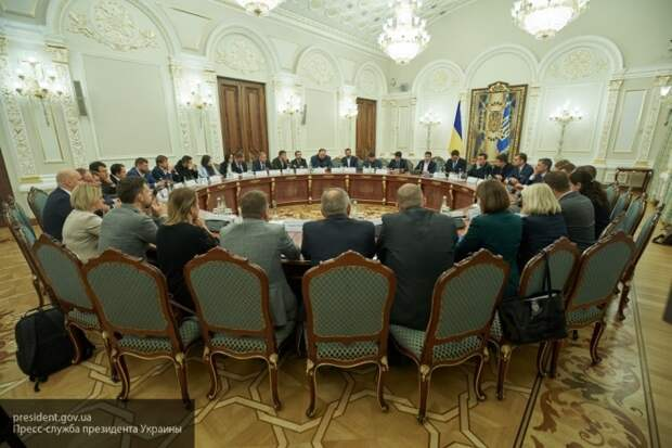 Рабинович объяснил, почему новое правительство Украины обречено на провал