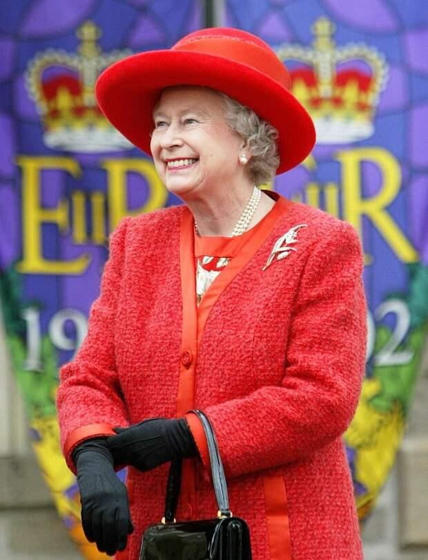 Королева Елизавета II - тоже левша. левша, полушарие мозга, правша, рука, удивительное, факты