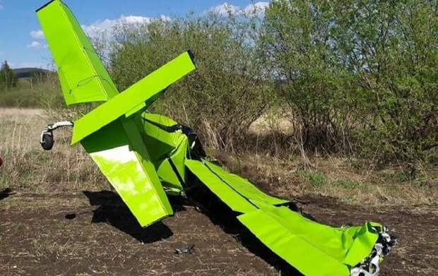 Два человека погибли при жесткой посадке угнанного самолета в Татарстане