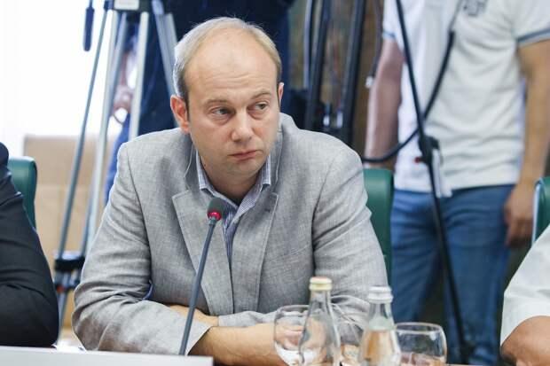 Экс-представитель ДНР Андрей Родкин потребовал ввести в Донбасс миротворцев