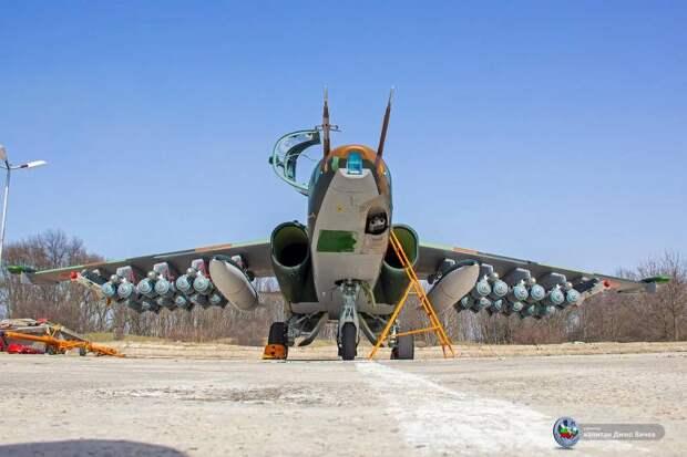 Болгария похвасталась обновленными Су-25 с 24 бомбами на подвесах