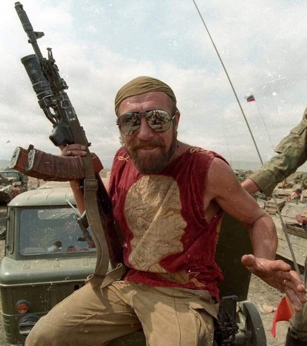 1996 г. Первая чеченская.....Контрактник. Фото: Владимир Сварцевич