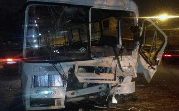 14 человек пострадали в ДТП с автобусом