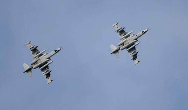Учения военной авиации прошли внебе над Ростовом