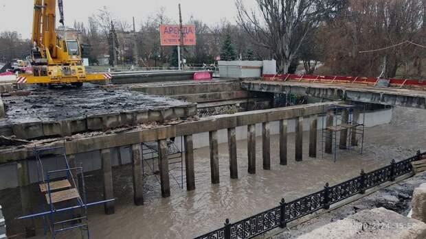 Сорванный капремонт моста в Симферополе стал проклятьем для чиновников