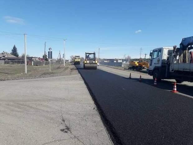 На юге Красноярского края начали ремонтировать дороги