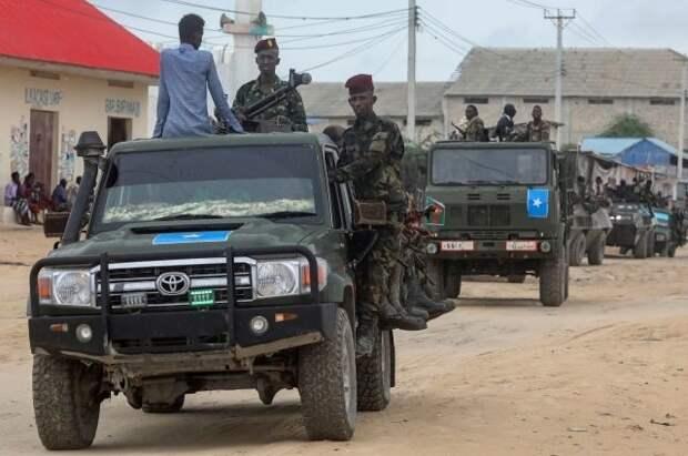 В Сомали при атаке террориста погибли не менее двух человек