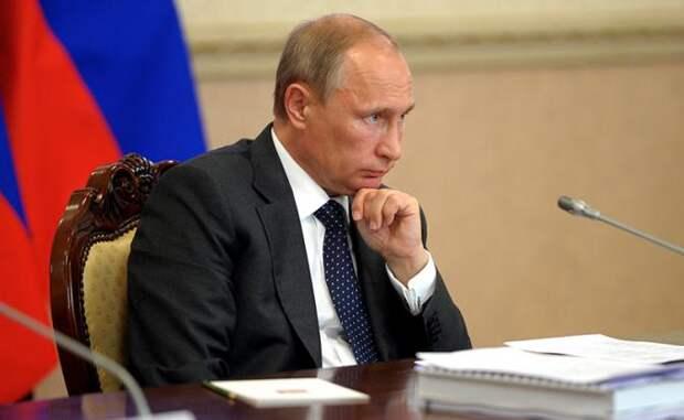 Первый год последнего срока Путина: пенсионная реформа перечеркнула и КрымНаш, и ЧМ-2018