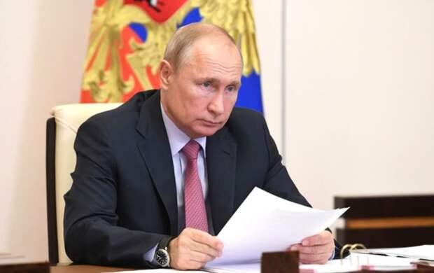 """Хазин: """"Путин с палкой"""" показал все промахи экономического блока"""