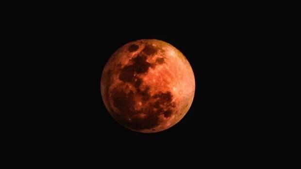 Магнитное поле Луны в древности по интенсивности не уступало земному