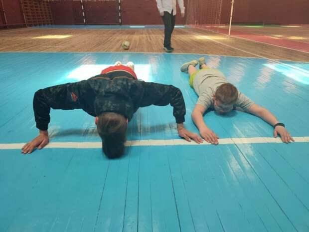 В рамках реализации молодежной инициативы ´За´ - ´За ЗОЖ´ у ´Смайлов ´ прошел день спорта. Спорт- это образ жизниСпортивно-...