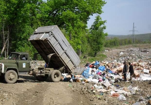 В Брюховецком районе четырех сельских глав оштрафовали за свалки