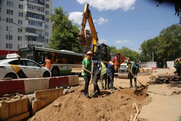 Асфальт на улице Генерала Глаголева обновят до конца августа