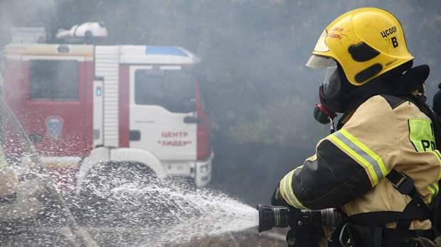 Дом горит на 1-й Тверской-Ямской улице в Москве