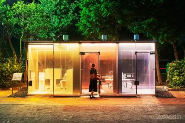 Умные туалетные кабинки с умными прозрачными стеклами появились в Японии