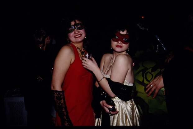 Модные русские девушки из 90-х.
