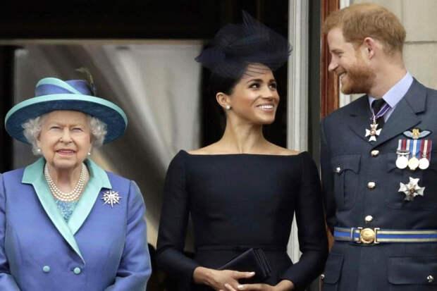 Елизавета II решила помириться с принцем Гарри и Меган Маркл